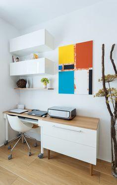 Malý byt 1+1 – HANÁK Olomouc Office Desk, Furniture, Home Decor, Desk Office, Decoration Home, Desk, Room Decor, Home Furnishings, Home Interior Design