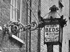 Doss houses in this case just for single men. Edwardian Era, Victorian, History Of England, The Old Days, Slums, London Photos, Old Pictures, Lodges, The Past