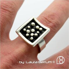 Sterling Ring with pinheads in oxidized curve square