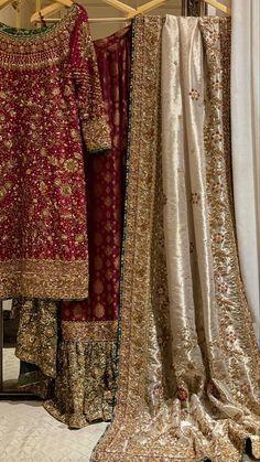 Pakistani Fashion Party Wear, Pakistani Wedding Outfits, Indian Bridal Outfits, Pakistani Bridal Dresses, Indian Fashion Dresses, Desi Wedding Dresses, Asian Bridal Dresses, Simple Pakistani Dresses, Pakistani Dress Design