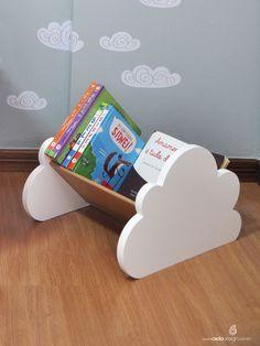 Este lindo Porta-Livros de chão permite, às crianças, fácil acesso e compõe o ambiente lúdico e criativo.
