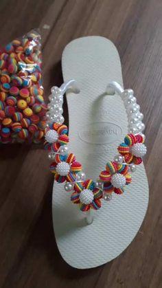 20 Fascinating Flip Flop Arch Support Men Flip Flops Shower Shoes For Women Crochet Shoes Pattern, Shoe Pattern, Balloon Flip Flops, Strand Pool, Flip Flop Craft, Crochet Flip Flops, Decorating Flip Flops, Beaded Sandals, Beaded Jewelry
