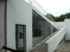 House ramp modern Reinforced Concrete, Built Environment, Le Corbusier, Mediterranean Style, Modern Buildings, Open Plan, Ground Floor, Future House, Facade