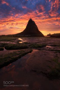 March to Mordor - Pinned by Mak Khalaf #Escaype One of the best sunset of my life embraced the Bay Area coast. This was taken at Martin's Beach. Thank you for viewing. Landscapes beachcloudshalfmoon baylandscapemartin's beachoceanseaseascapeskysummersunsunsetwater by n3omccoy