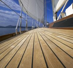 Teak flooring Using on Boat and Yacht