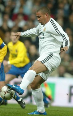 Real Madrid Images, Ronaldo 9, World Football, Soccer Players, Champion, Game, Friends, Football Players, Hs Sports