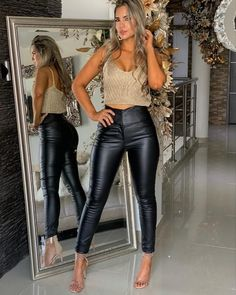 13 ideas to wear leggings around the clock; Forget about changing clothes during the day! Mode Outfits, Night Outfits, Sexy Outfits, Fall Outfits, Casual Outfits, Summer Outfits, Fashion Outfits, Pantalon Vinyl, Outfits Leggins