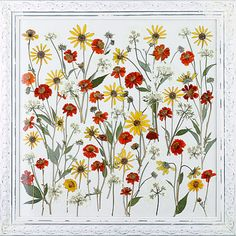 It's a dried flower mural. I'm making this with different colors.
