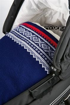 Tema 30: Modell 7 Marius vognteppe lanett Knitting For Kids, Baby Knitting, Nordic Style, Knitted Blankets, Baby Wearing, Chanel Boy Bag, Knitting Patterns, Knitting Ideas, 30