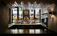 Accueil > Réalisations > Restaurants > Jojo - New York Jojo Restaurant, Organic Restaurant, Restaurant New York, Jojo New York, Jean Georges, Restaurants, Elegant Dining, Chandelier, Nyc