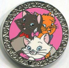 MARIE BERLIOZ & TOULOUSE 2010 Hidden Mickey DLR Aristocats Collection Disney Pin