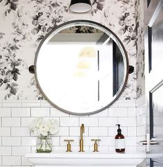 I spy my new favorite hand soap by @murchisonhume in this adorable bathroom by…