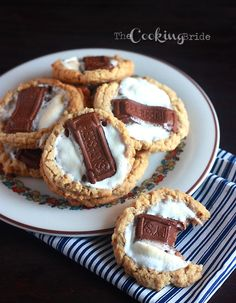 S'mores Cookies - The Cooking Bride