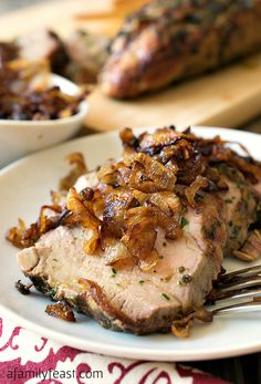 Herb Crusted Grilled Pork Tenderloin with Crispy Shallots - A simple and super delicious way to prepare grilled pork tenderloin. (The crispy shallots are AMAZING! Grilling Recipes, Pork Recipes, Cooking Recipes, Carne Asada, Crispy Shallots, My Burger, Good Food, Yummy Food, Grilled Pork