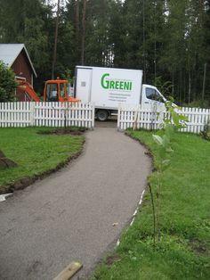 RudusPiha Facebook seurantakohde 2014. Autopaikalle johtavan käytävän pohja on valmistunut. http://www.rudus.fi/pihakivet