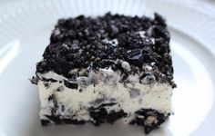 Looking for Oreo Dessert Recipes? This no bake, quick dessert recipe is sure to be a hit!