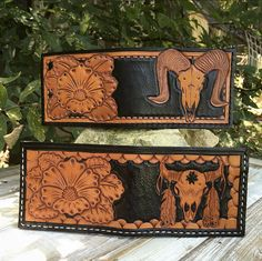 Hand Tooled Leather Billfolds. Ram and Longhorn Skulls with Flowers Leather Carving, Leather Art, Tooled Leather, Custom Leather, Leather Diy Crafts, Leather Craft Tools, Leather Projects, Leather Tooling Patterns, Leather Pattern