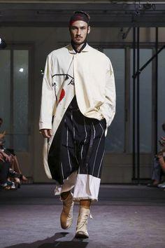 Yohji Yamamoto Menswear Spring Summer 2017 Paris - NOWFASHION