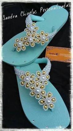 Resultado de imagem para imagens de chinelos bordados