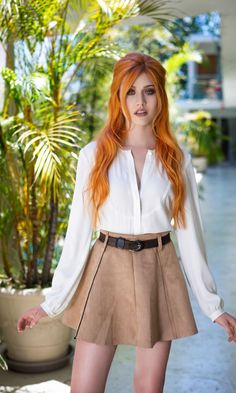 Katherine McNamara aka Clary Fray(Fairchild) in Shadowhunters Katherine Mcnamara, Beautiful Red Hair, Gorgeous Redhead, Beautiful Person, Beautiful Women, Which Hair Colour, Hair Color, Hottest Redheads, Looks Chic