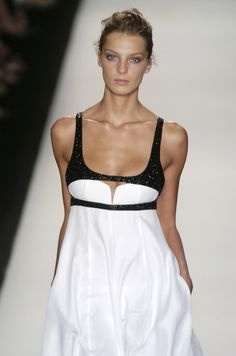 Narciso Rodriguez 05 - black & white color blocking. So on trend now too! xoxo Beautylove Aprons