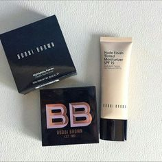 Even though the trend nowadays points to full coverage makeup foundation, there are still some of us who like to keep it less and that's why looking for the best tinted moisturizer is more than jus… How To Use Makeup, Lots Of Makeup, Dark Makeup, Simple Makeup, Teen Makeup Kit, Makeup For Teens, Tinted Moisturizer Best, Diy Natural Beauty Routine, Eyeshadow Techniques