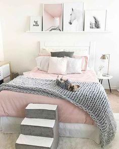 44 Cozy Teen Bedroom Decoration on Pink Style. Cozy Teen Bedroom Decoration On Pink Style If decorating bedrooms on a budget is your priority and you would like some inexpensive alternatives, then you might always […] Cozy Teen Bedroom, Small Room Bedroom, Gray Bedroom, Trendy Bedroom, Bedroom Sets, Home Decor Bedroom, Bedroom Furniture, Pastel Bedroom, Bedroom Themes