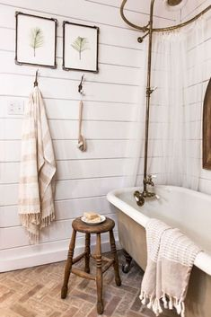 17 Farmhouse Rustic Master Bathroom Remodel Ideas