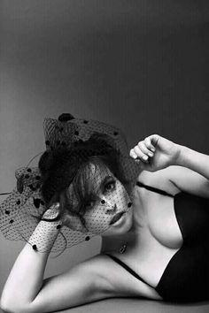 Helena Carter, Helena Bonham Carter, Helen Bonham, Divas, Tim Burton Beetlejuice, Bridget Regan, Bold Lipstick, Johnny Depp Movies, Bellatrix Lestrange