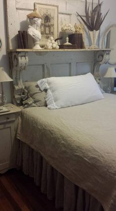 Repurposed Mantel For Shabby Chic Headboard   Love This Look  #shabbychichomedecor Wohnung Gestalten, Schlafzimmer