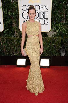 Emily Blunt en Michael Kors http://www.vogue.fr/mode/red-carpet/diaporama/golden-globes-2013-argo-claire-danes-anne-hathaway-jessica-chastain-marion-cotillard/11294/image/664063#emily-blunt-golden-globes-2013-michael-kors