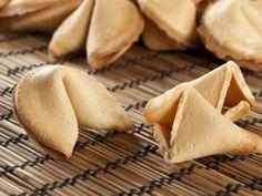 Wens vrienden en familie alle geluk toe met zelfgemaakte fortune cookies, compleet met persoonlijke boodschap. Leuk voor bijzondere gelegenheden of…