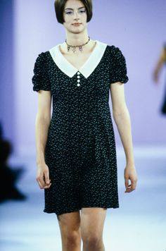 See the complete Anna Sui Spring 1994 Ready-to-Wear collection.