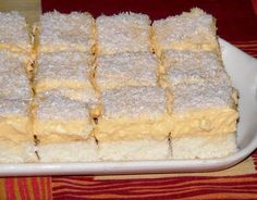 Tepsis raffaello, a gyors, elronthatatlan desszert Cherry Cake, Hungarian Recipes, Baking And Pastry, Christmas Sweets, Something Sweet, Cake Cookies, Fun Desserts, Food Pictures, Sweet Recipes