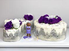 "𝐐𝐮𝐚'𝐓𝐞𝐬𝐡𝐚 𝐅𝐞𝐥𝐝𝐞𝐫•𝗖𝗮𝗸𝗲 𝗗𝗲𝘀𝗶𝗴𝗻𝗲𝗿 on Instagram: ""𝟕𝟎 & 𝐅𝐚𝐛𝐮𝐥𝐨𝐮𝐬💟 : 𝐋𝐚𝐜𝐞 & 𝐅𝐥𝐨𝐫𝐚𝐥𝐬!💜🤍 : : : : : : : : : : #numbercake #customcake #caketopper #buttecreamcake #ediblelace #70thbirthdaycake…"" Edible Lace, 70th Birthday Cake, Number Cakes, Cream Cake, Custom Cakes, Cake Toppers, Florals, Treats, Desserts"