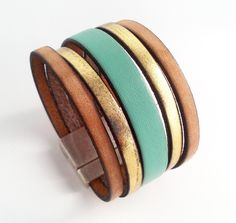 manchette cuir vintage or et vert menthe avec fermoir aimanté large de 30mm : Bracelet par eddco