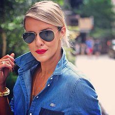 blue jean + aviators + red lips.