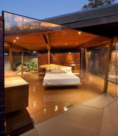 Bedroom in Foster Carling House, built by John Lautner (1947-1950)