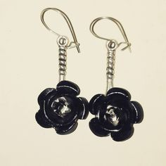"""Black rose dangle earrings, 0.5"""" #roses #rosejewelry #gothic #goth #gothicstyle #gothstyle #steampunk #steampunkjewelry #steampunkstyle #handcrafted #handcraftedjewelry #madeintexas #texasgirl #customjewelry #earrings #tibetansilver #amandanancedesigns"""