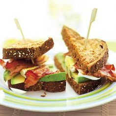 Recept - Avocado-clubsandwich van tomatentoast - Allerhande