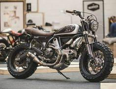 Cafe Racers, Scramblers, Trackers and other Custom Motorcycles Disclaimer: I don't own any of the posted pictures unless stated otherwise Ducati Scrambler Custom, Motorcycle Engine, Cafe Racer Motorcycle, Motorcycle Gear, Custom Motorcycles, Custom Bikes, Cafe Racer Helmet, Cafe Racer Girl, Cafe Racer Bikes