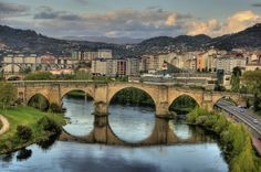 Roman-bridge-Ourense-Spain
