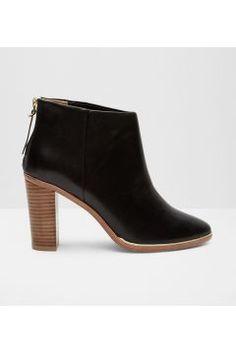 Ted Baker Ankle Boots aus Leder Schwarz #modasto #giyim #moda https://modasto.com/ted-ve-baker/kadin/br5094ct2