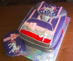 Schoolbag cake for seven years´ lady