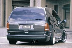 Dodge Caravan Town And Country Minivan, Plymouth Voyager, Caravan, Dodge, Chevy, Cool Stuff, Vehicles, Woodland Forest, Car