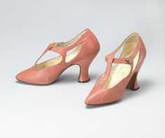 Shoes, Hook, Knowles & Co., Ltd.: ca. 1925-1929, British, leather, lined in leather, leather sole, rhinestone button.