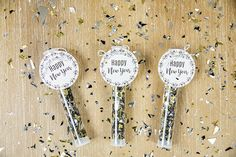 The holiday season is quickly passing by and before we know it New Year's Eve will be here. Growing up my mother would throw a fun kid-friendly party for our. Diy Projects Videos, Craft Projects, New Year's Eve Crafts, Party Poppers, Host A Party, New Years Eve Party, Make It Yourself, Printers, Free Printables