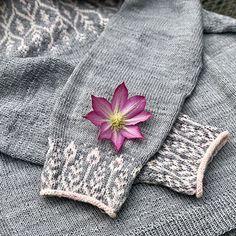 Newleaf pattern by Jennifer Steingass Ravelry: Newleaf pattern by Jennifer Steingass. Sweater Knitting Patterns, Crochet Patterns, Sport Weight Yarn, Fair Isle Knitting, Knit Picks, Knitted Gloves, Vintage Knitting, Crochet Fashion, Ravelry