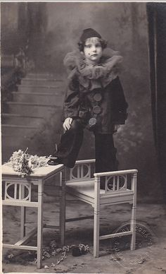 A completely adorable little circus performer called Little Pierrot, photographed here in the 1900s. #clown #Edwardian #1900s #circus #performer #vintage #retro #entertainment
