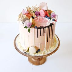 """Another pink number and the last cake of the weekend for @sugarhighdesserts who's sister is celebrating her birthday! Cotton flavoured buttercream with…"""